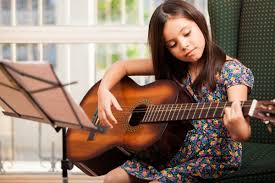 guitar-playing-classes-for-kids-in-chandigarh